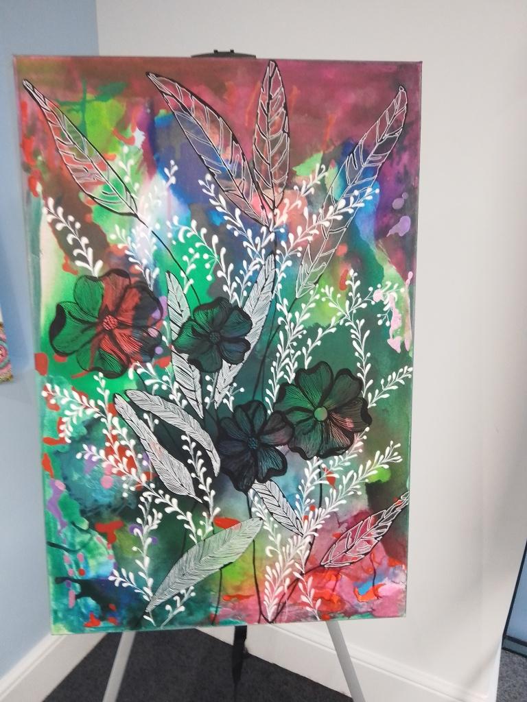 Exposición del coloreado y alegre arte de Hanna Gamrasni de Dahan.